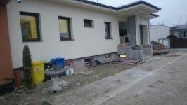 Plastové okná a garažová brana Alutech,  rekonštrukcia rodinneho domu Piešťany