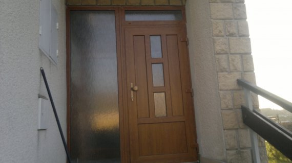 Vchodové dvere rodinný dom Brunovce