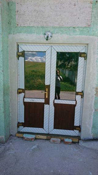 Vchodové dvere firma Hornák Vrbové